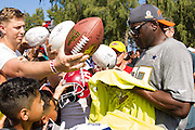 January 30 2016: Hall of Famer Michael Irvin sigs autographs after the final Pro Bowl practice at Turtle Bay Resort on Oahu, HI. (Photo by Aric Becker/Icon Sportswire)
