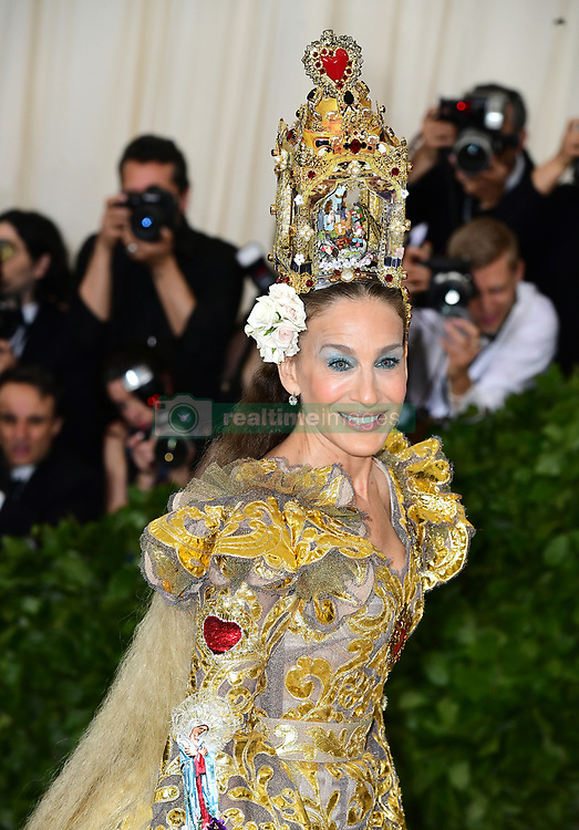 Sarah Jessica Parker attending the Metropolitan Museum of Art Costume Institute Benefit Gala 2018 in New York, USA. PRESS ASSOCIATION Photo. Picture date: Picture date: Monday May 7, 2018. See PA story SHOWBIZ MET Gala. Photo credit should read: Ian West/PA Wire
