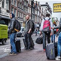 Nederland, Amsterdam, 26 mei 2016.<br /> Toerisme in de Haarlemmerstraat.<br /> <br /> Tourists on the Haarlemerstraat, Amsterdam. <br /> <br /> Foto: Jean-Pierre Jans
