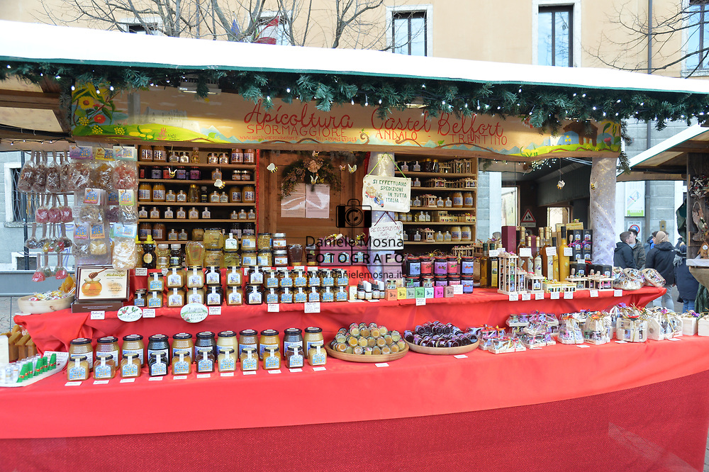 Mercatini di Natale Trento Bancarella13 Apicoltura Castel Belfort Un dolce Segreto, piazza Fiera 27 novembre 2018  © foto Daniele Mosna