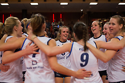 21-02-2015 NED: Sliedrecht Sport - Peelpush, Zwolle<br /> Sliedrecht Sport versloeg Peelpush in de halve finale met 3-1 en staat sinds 2012 weer in de finale / Marlies Wagendorp #10, Ester Hullegie #3, Celine Keijsers #1