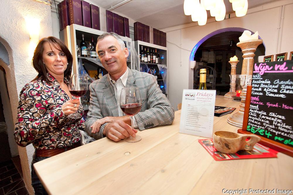 369115-opening nieuwe wijnbar in Lier-Katrin Van Loock en Bart Stoelen-Werf 13 Lier