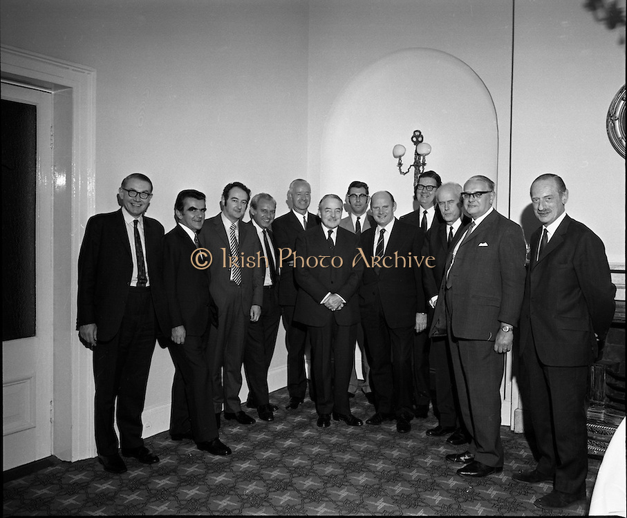 Bord Failte Hibernian Hotel, Dublin<br /> 1971.<br /> 08.10.1971.<br /> 10.08.1971.<br /> 8th October 1971.<br /> Tonight Bord Failte hosted a dinner at the Hibernian Hotel, Ballsbridge,Dublin.<br /> <br /> Image shows a group photograph of all the attendees.