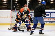 Nederland, Nijmegen,11-1-201478-jarige Fred de Wit is de oudste ijshockeyspeler ter wereld. De keeper komt in het Guiness book of records.Foto: Flip Franssen/ Hollandse Hoogte