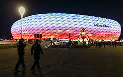 04.11.2015, Allianz Arena, Muenchen, GER, UEFA CL, FC Bayern Muenchen vs FC Arsenal, Gruppe F, im Bild Aussenansicht der Allianz Arena bei Nacht // during the UEFA Champions League group F match between FC Bayern Munich and FC Arsenal at the Allianz Arena in Munich, Germany on 2015/11/04. EXPA Pictures © 2015, PhotoCredit: EXPA/ JFK