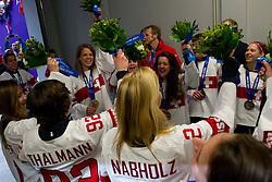 20.02.2014, Bolshoy Ice Dome, Adler, RUS, Sochi, 2014, Eishockey Damen, Medaillenfeier, im Bild Das Schweizer Team mit der Bronze Medaille an der Medaillenfeier // during Womens Icehockey Medal Ceremony of the Olympic Winter Games Sochi 2014 at the Bolshoy Ice Dome in Adler, Russia on 2014/02/20. EXPA Pictures © 2014, PhotoCredit: EXPA/ Freshfocus/ Urs Lindt<br /> <br /> *****ATTENTION - for AUT, SLO, CRO, SRB, BIH, MAZ only*****