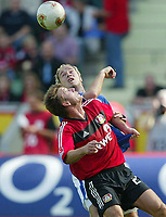 Fotball<br /> Bundesliga Tyskland 2003/2004<br /> 13.09.2003<br /> Norway Only<br /> Foto: Digitalsport<br /> <br /> vorne Bernd SCHNEIDER - Sergej BARBAREZ HSV<br /> Bundesliga Bayer 04 Leverkusen - Hamburger SV