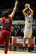 DESCRIZIONE : Caserta Lega A 2015-16 Pasta Reggia Caserta EA7 Emporio Armani Milano<br /> GIOCATORE : Tommaso Ingrosso<br /> CATEGORIA : tiro tre punti<br /> SQUADRA : Pasta Reggia Caserta<br /> EVENTO : Campionato Lega A 2015-2016 <br /> GARA : Pasta Reggia Caserta EA7 Emporio Armani Milano<br /> DATA : 25/10/2015<br /> SPORT : Pallacanestro <br /> AUTORE : Agenzia Ciamillo-Castoria/A. De Lise <br /> Galleria : Lega Basket A 2015-2016 <br /> Fotonotizia : Caserta Lega A 2015-16 Pasta Reggia Caserta EA7 Emporio Armani Milano