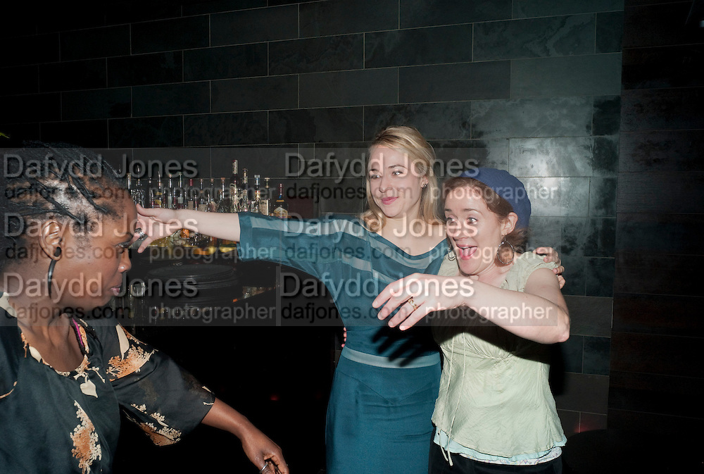 LORNA BROWN;  SARAH GOLDBERG; SOPHIE THOMPSON, Clybourne Park Press night. Opened at Wyndham's Theatre. Party afterwards at Mint Leaf, Haymarket, London. 8 February 2011.  -DO NOT ARCHIVE-© Copyright Photograph by Dafydd Jones. 248 Clapham Rd. London SW9 0PZ. Tel 0207 820 0771. www.dafjones.com.