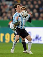 Fotball<br /> Tyskland v Argentina<br /> 03.03.2010<br /> Foto: Witters/Digitalsport<br /> NORWAY ONLY<br /> <br /> v.l. Lionel Messi, Philipp Lahm (Deutschland)<br /> Testspiel Deutschland - Argentinien