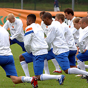 NLD/Rijnsburg/20060830 - Trainings Nederlands Elftal, warming up