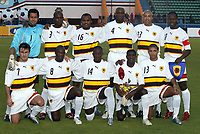Fotball<br /> Foto: Dppi/Digitalsport<br /> NORWAY ONLY<br /> <br /> FOOTBALL - AFRICAN CUP OF NATIONS 2006 - FIRST ROUND - GROUP B - 060121 - CAMEROON v ANGOLA<br /> <br /> ANGOLA TEAM (FRONT ROW LEFT TO RIGHT : PAULO FIGUEIREDO / ANDRE MACANGA / ANTONIO MENDONCA / JACINTO PEREIRA / EDSON NOBRE . BACK ROW : JOAO RICARDO FERREIRA / JOAO PEREIRA / FLAVIO AMADO / ANTONIO LEBO LEBO / MARCO ABREU / FABRICE MAIECO ) <br /> <br /> KAMERUN v ANGOLA