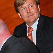 NLD/Hilversum/20110208 - Prins Willem Alexander aanwezig bij de Gouden Apenstaarten 2011, Aankomst Z.K.H. Prins Willem Alexander
