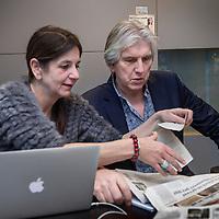 Nederland, Hilversum, 5 februari 2016.<br />Nederlandse radio en televisie presentator Felix Meurders.<br />Op de foto: Felix Meurders op de redactie van de VARA.<br /><br /><br />Foto: Jean-Pierre Jans