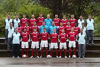 Fotball<br /> Foto: Wrofoto/Digitalsport<br /> NORWAY ONLY<br /> <br /> WISLA KRAKOW TEAM GROUP PICTURE <br /> SEASON 2005/2006<br /> FROM LEFT SIDE:<br /> UPPER LINE: KAZIMIERZ MOSKAL , RYSZARD SZUL , GOLOS , STOLARCZYK , KMIECIK , JUSZCZYK , KOKOSZKA , SOBOLEWSKI , KLOS , MAREK HOLOCHER , ZBIGNIEW WOZNIAK<br /> MIDLE LINE : MAREK KONIECZNY , UCHE , CANTORO , KUZBA , PIEKUTOWSKI , MAJDAN , ZIENCZUK , KOWALCZYK ,  EKWUEME , MARCIN BISZTYGA<br /> LOWER LINE : JERZY ENGEL , JEAN PAULISTA , PIOTR BROZEK , PAWEL BROZEK , BLASZCZYKOWSKI , FRANKOWSKI , BASZCZYNSKI , TOMASZ KULAWIK