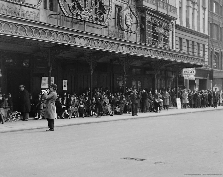 Street Performer, Theatre Queue, London, England, 1933