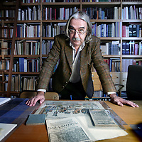 Nederland, Amsterdam , 22 december 2009..Arie van den Berg (1948) is dichter, poëziecriticus, essayist en docent aan Schrijversvakschool Amsterdam..Foto:Jean-Pierre Jans
