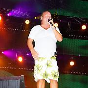 NLD/Almere/20100821 - Strandfestival Het Zand 2010, optreden Paul de Leeuw in zwembroek