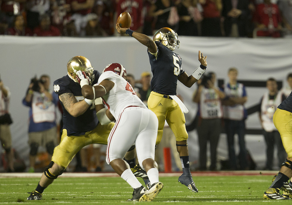 January 7, 2013:  Notre Dame quarterback Everett Golson (5) throws the ball during the Discover BCS National Championship between the Alabama Crimson Tide and the Notre Dame Fighting Irish at Sun Life Stadium in Miami Gardens, Florida.  Alabama defeated Notre Dame 42-14.