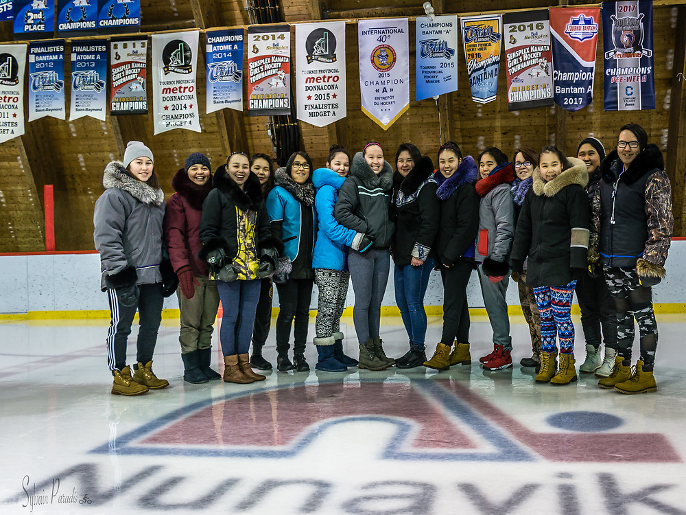 Hockey is beiing played in Nunavik since many years. Here the select Inuit woman hockey club.