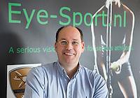 RIDDERKERK - EYE-SPORT. High Performance SportsVision Training (HPST) HPST van ZIEN is een individueel trainingsprogramma uitgewerkt door SportsVision optometrist Richard L.M. Hoctin Boes, BSc. Optometry. COPYRIGHT KOEN SUYK