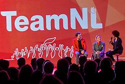 02-01-2018 NED: PloegpresentatieTeamNL, Arnhem<br /> Chef de mission Jeroen Bijl en Esther Vergeer tijdens de teamoverdracht van Olympic en Paralympic TeamNL voor de Olympische Spelen van Pyeongchang