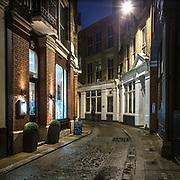 Una vista serale di. un vicolo sorico nei pressi di #St.PaulCathedral<br /> <br /> An evening view of an ancient alley near #St.PaulCathedral.<br /> <br /> #6d, #photooftheday #picoftheday #bestoftheday #instadaily #instagood #follow #followme #nofilter #everydayuk #canon #buenavistaphoto #photojournalism #flaviogilardoni <br /> <br /> #london #uk #greaterlondon #londoncity #centrallondon #cityoflondon #londontaxi #londonuk #visitlondon<br /> <br /> #photo #photography #photooftheday #photos #photographer #photograph #photoofday #streetphoto #photonews #amazingphoto #blackandwhitephoto #dailyphoto #funnyphoto #goodphoto #myphoto #photoftheday #photogalleries #photojournalist #photolibrary #photoreportage #pressphoto #stockphoto #todaysphoto #urbanphoto