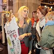 NLD/Amsterdam/20110330 - Launch tshirt lijn B. by Bridget, Judith Osborn en Danie Bles