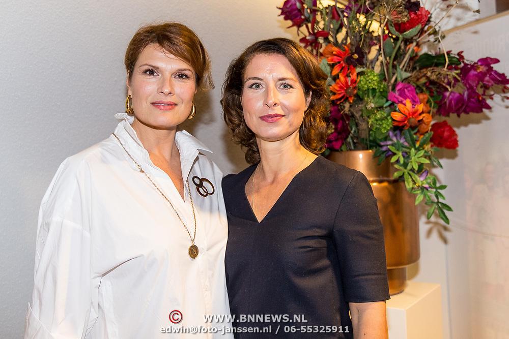 NLD/Amsterdam/20181028 - Premiere Expeditie Eiland, Anouk van Nes en Sandra Mattie