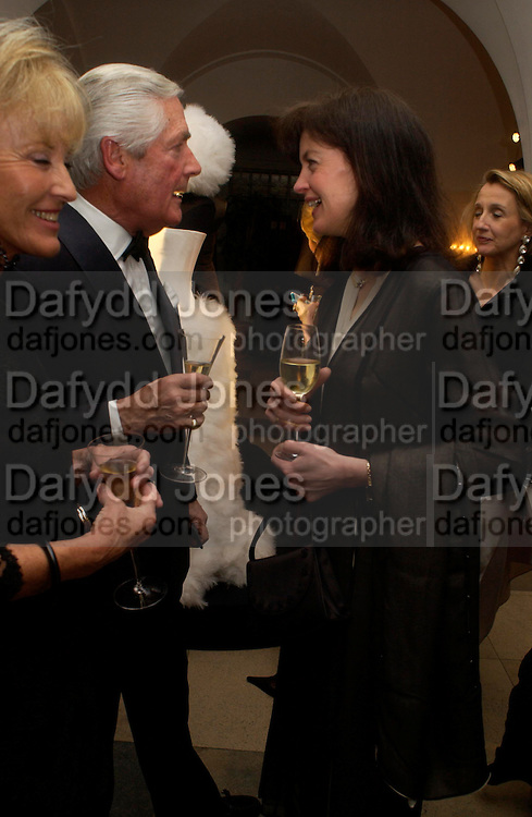 Lady Henrietta Spencer-Churchill. Dinner to unveil the Van Cleef & Arpels jewellery collection 'Couture' with fashion by Anouska Hempel Couture. The Banqueting House, Whitehall Palace, London on 8th March 2005.ONE TIME USE ONLY - DO NOT ARCHIVE  © Copyright Photograph by Dafydd Jones 66 Stockwell Park Rd. London SW9 0DA Tel 020 7733 0108 www.dafjones.com