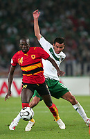 Fotball<br /> VM 2006<br /> Foto: Dppi/Digitalsport<br /> NORWAY ONLY<br /> <br /> FOOTBALL - WORLD CUP 2006 - STAGE  - GROUP D - MEXICO v ANGOLA - 16/06/2006 - ANTONIO MENDONCA (ANG) / MARIO MENDEZ (MEX)