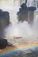 CATARATAS DEL IGUAZU, PASEO TURISTICO EN LANCHA, PARQUE NACIONAL IGUAZU, PROVINCIA DE MISIONES, ARGENTINA (© MARCO GUOLI - ALL RIGHTS RESERVED)