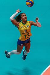 28-05-2019 NED: Volleyball Nations League Netherlands - Brazil, Apeldoorn<br /> <br /> Amanda Francisco #13 of Brazil