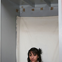 TOLUCA, Mexico.- Gran numero de personas hacen fila en los modulos del IFE en busca de solicitar por primera vez, reponer o renovar su credencial de elector, siendo hasta el proximo 15 de enero a las 23:59 horas el limite para tramitarla. Agencia MVT / Jose Hernandez. (DIGITAL)
