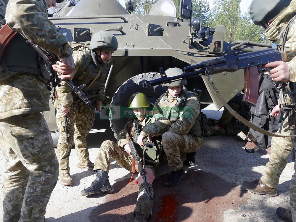 March 29, 2019 - Orshanets, Cherkasy Region, Ukraine - Servicemen polish their actions in the administration of first aid during an exercise in tactical medicine at the Maj Gen Ihor Momot Main Personnel Training Centre of the State Border Guard Service, Orshanets village, Cherkasy Region, central Ukraine, March 29, 2019. Ukrinform. (Credit Image: © Yulii Zozulia/Ukrinform via ZUMA Wire)