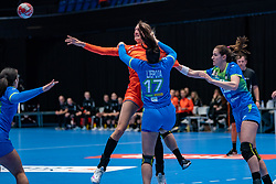 Kelly Dulfer of Netherlands, Natasa Ljepoja of Slovenia in action during the Women's friendly match between Netherlands and Slovenia at De Maaspoort on march 19, 2021 in Den Bosch, Netherlands (Photo by RHF Agency/Ronald Hoogendoorn)