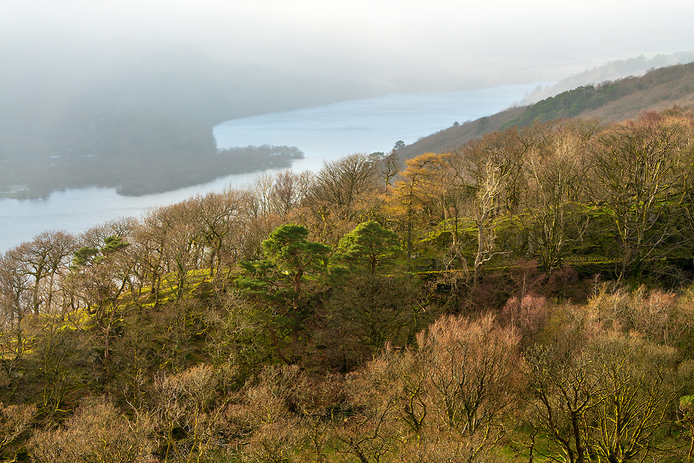 It was strange to be standing in sunshine one one side of the valley, looking towards the banks of fog rolling over the hillsides opposite.<br /> <br /> UNESCO World Heritage Site
