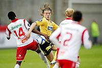 Tippeligaen ,<br /> Fotball , <br /> 06.05.2011 , <br /> Fredrikstad stadion ,<br /> Fredrikstad v Lillestrøm , <br /> Björn Bergmann Sigurdarson i duell med Khalifa Jabbie , <br /> Foto: Thomas Andersen / Digitalsport