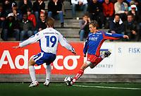 Fotball, 1236. juli 2006, Adeccoligaen, Tromsdalen - FK Haugesund<br /> Kevin Nicol, Haugesund og Eirik Yndestad, Tromsdalen<br /> Foto: Tom Benjaminsen / DIGITALSPORT