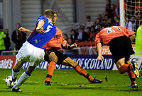 Dundee Utd v Rangers 22.9.01: Tore Andre Flo scores his third goal of the game.<br /><br />Photo: Ian Stewart, Digitalsport