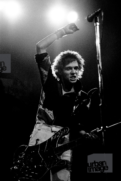 The Clash Live - Paul Simonon