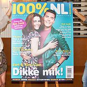 NLD/Volendam/20160831 -  Jan Smit en Kim-Lian van der Meij onthullen cover 100 % NL Magazine, Kim-Lian van der Meij en Jan Smit onthullen de cover