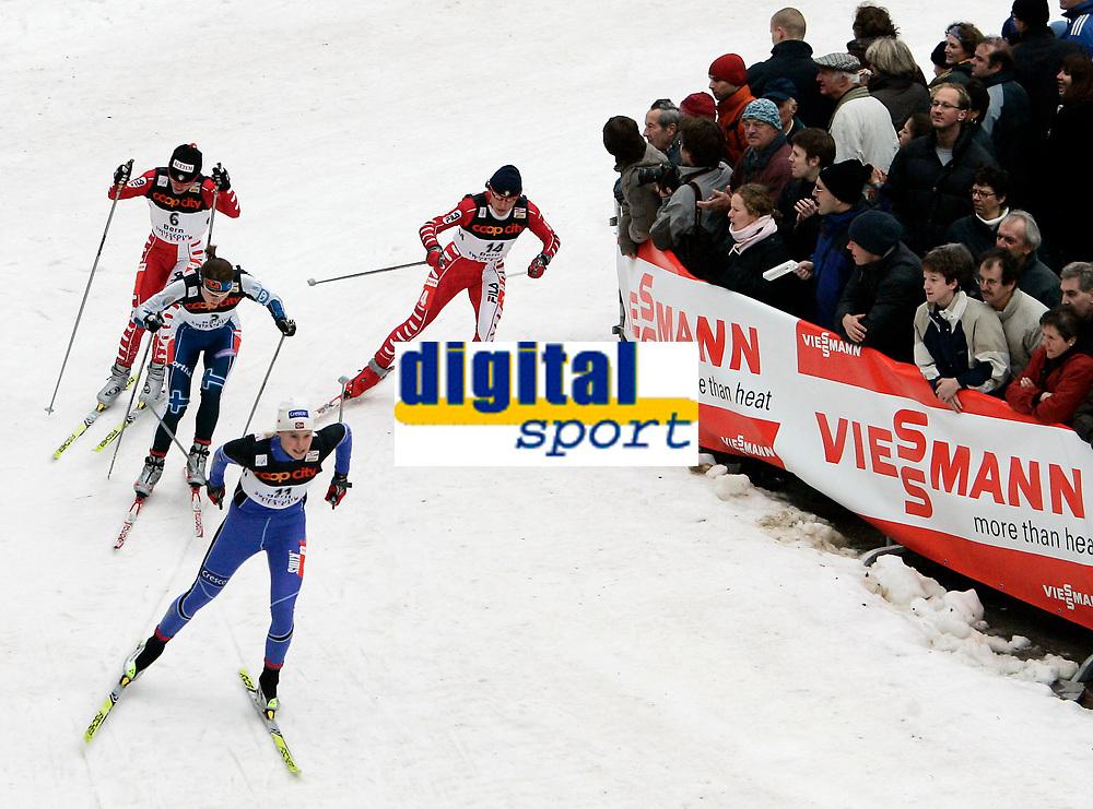 Barbara Moriggl (ITA, 6), Aino Kaisa Saarinen (FIN, 3), Guro Stroem Solli (NOR, 11) und Karin Moroder (ITA, 14) beim Einzel-Sprint (Viertelfinal) © Manu Friederich/EQ Images