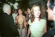 Steve Martin, Stella McCartney and Sam Taylor-Wood, 30th Aniversary Gala Dinner, Serpentine Gallery.20 June 2000<br />© Copyright Photograph by Dafydd Jones 66 Stockwell Park Rd. London SW9 0DA Tel 020 7733 0108 www.dafjones.com