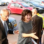 NLD/Amsterdam/20130409 - Prinses Maxima houdt toespraak conferentie The Currency Exchange Fund, aankomst minister Liliane Ploumen