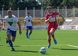 Dalton Wilkins (FC Helsingør) jagtes af Jakob Skovgaard Larsen (HIK) under træningskampen mellem FC Helsingør og HIK den 1. august 2020 på Helsingør Ny Stadion (Foto: Claus Birch).