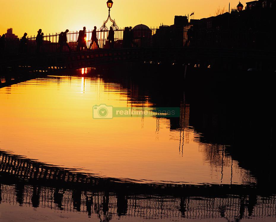 July 21, 2019 - Ha'penny Bridge, At Sunset; Dublin, Co Dublin, Ireland (Credit Image: © The Irish Image Collection/Design Pics via ZUMA Wire)