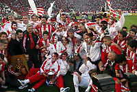 3.05.2006  Belgrade-Serbia<br />Red Star-Vojvodina Serbian&Montenegro Super league last season of the championship <br />Walter Zenga(C) Red Star coach with Red Star team celebrate title  of Serbian&Montenegro football championship. <br />Foto:Aleksandar Djorovic