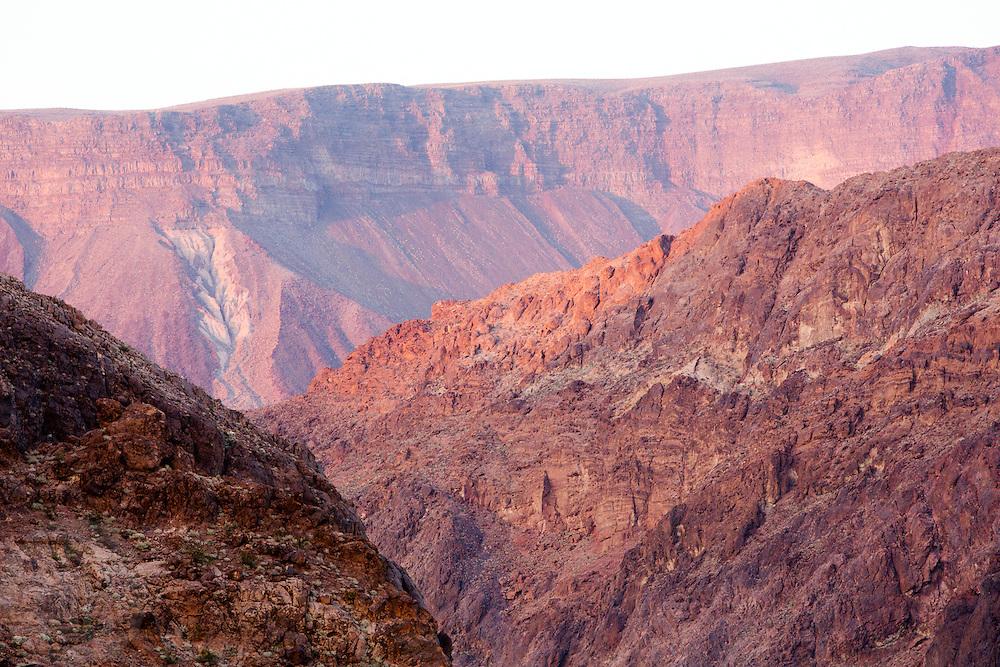 De canyons bij de Hoover Dam.<br /> <br /> Canyons near the Hoover Dam.
