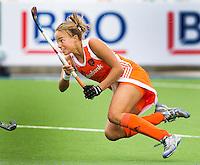 ROSARIO (Arg.) - Strafcornerspecialist MAARTJE PAUMEN brengt uit een strafcorner de stand op 4-1, maandag tijdens de World Cup dames wedstrijd tussen Nederland en India (7-1). Verhaal sportred donderdag 20.00uur op het net